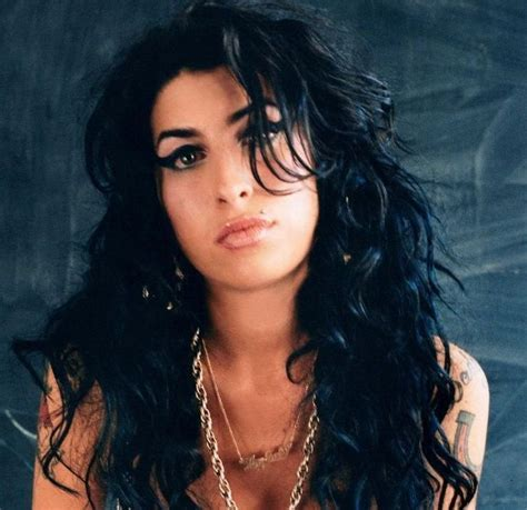 Amy Winehouse's Posthumous Album Tops The Charts In A
