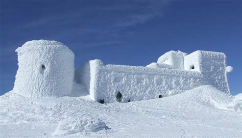 Build the perfect snow fort for your inner child – Cottage